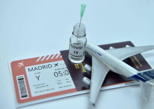 Passeport vaccinal: c'est quoi, est-il obligatoire pour voyager dans certains pays?