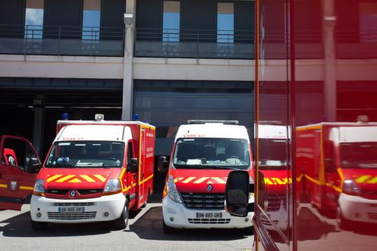 Incendie à Annecy: les images de la mairie en feu