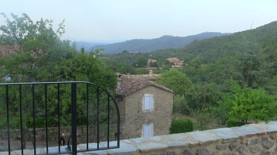 Restaurant : Les Terrasses de saint Paul  - Vue de la terrasse du reataurant -   © GB