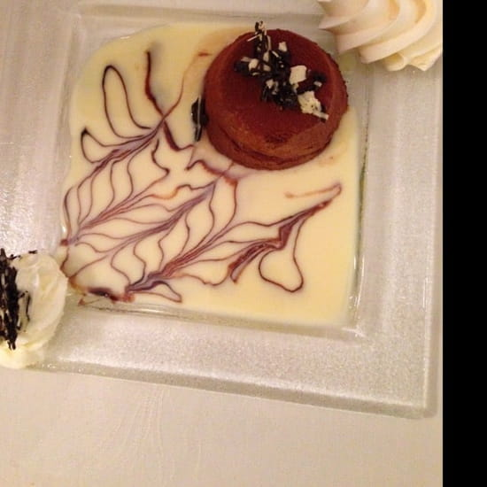 Dessert : Le Relais du Cheval Blanc  - Marquise au chocolat et ça crème anglaise  -