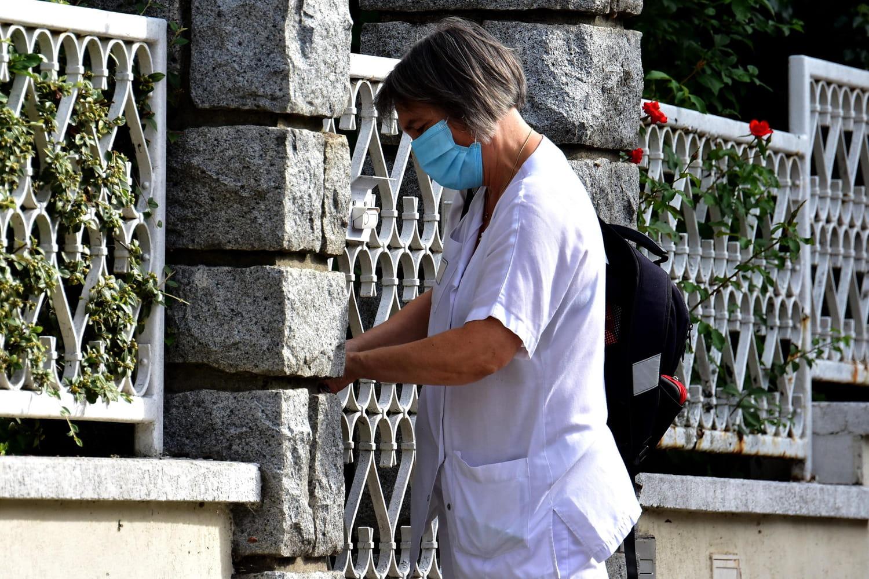 """DIRECT. Coronavirus en France: nouveaux cas en hausse, un effet """"vacances"""" attendu"""