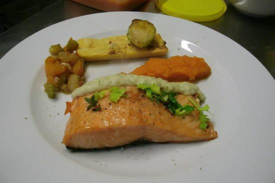 La Petite Maison de Bras  - saumon fumé et grillé, crème de raifort (décembre 2012) -   © patrick