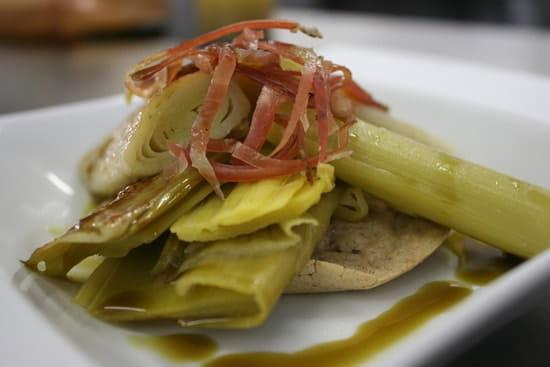 Oréade Restaurant  - Poireaux vinaigrette sur blinis au sarrasin -