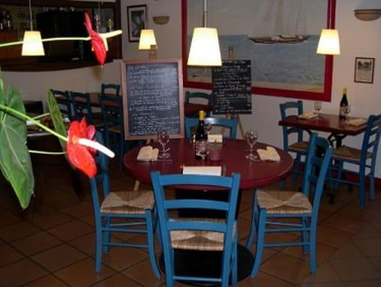 Le St Valentin  - Salle du restaurant -   © Estelle COUTY