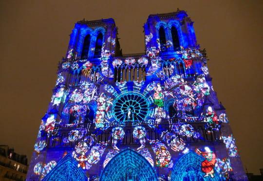 Dame de Cœur: le show spectaculaire de Notre-Dame de Paris est de retour