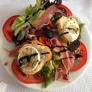 Entrée : LE VESUVIO  - Entrée salade de chèvre chaud -