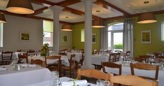 Les Moissons  - la salle du restaurant -