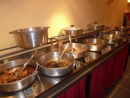 Marmites des Iles  - Le buffet chaud du soir -