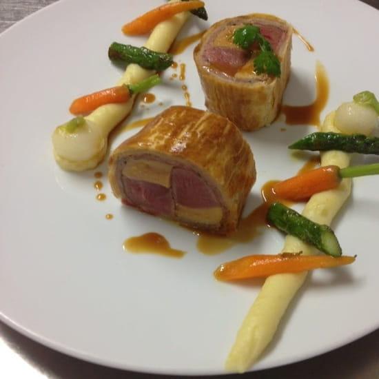 Plat : Les Aromes  - Magret et foie gras en croûte  -