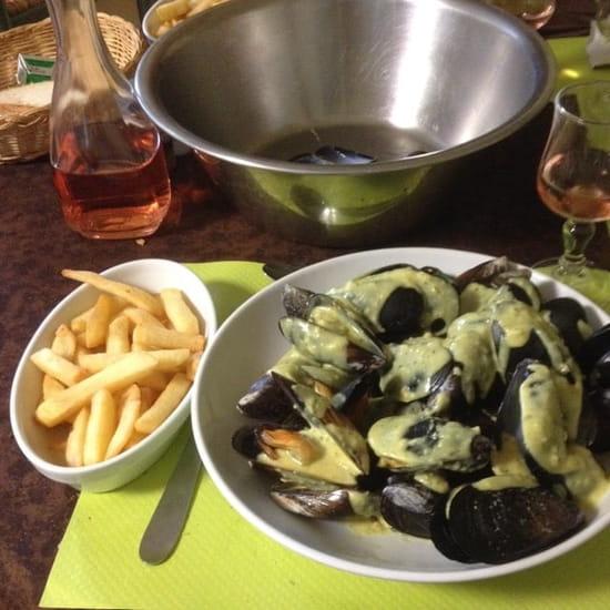Plat : Le Vieux Passage  - Moules frites sauce patron -