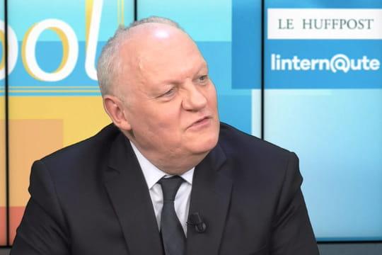 """Pour François Asselineau, """"Macron est un sèche-cheveux"""""""
