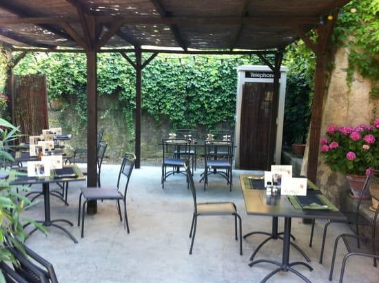 Le Bistrot de Pierrerue  - La terrasse -