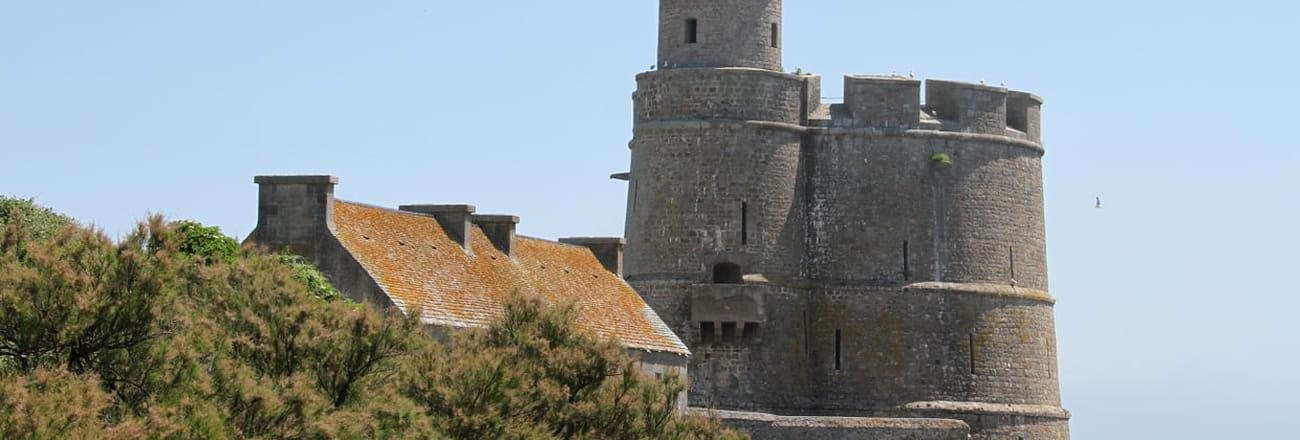 Visite de Saint-Vaast-la-Hougue, village préféré des Français