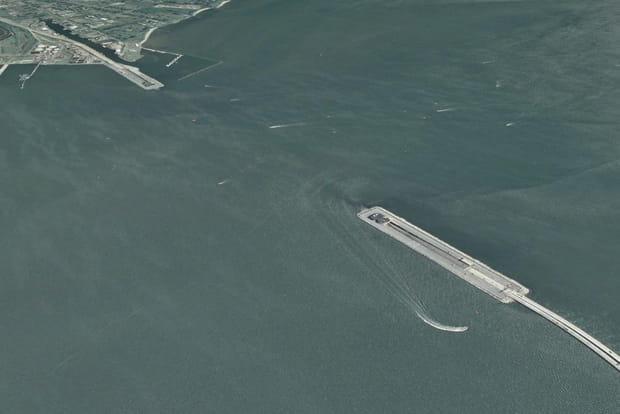 "Le ""pont sous-marin"" de Hampton Road en Virginie"
