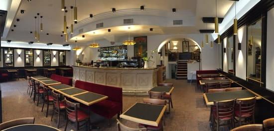Le Grand Café  - La salle de restaurant -   © Maïté Egurreguy