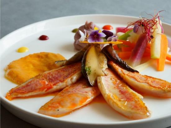 Plat : Chez Fred  - Filet de rouget cèpes et crème de potiron -   © Photo du plat