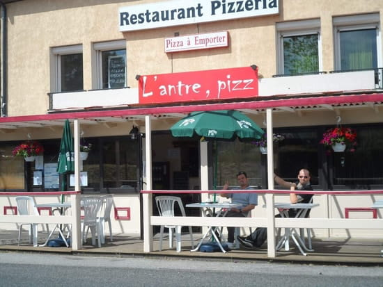L'Antre, pizz