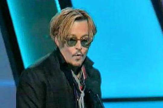 Ivre, Johnny Depp est coupé endirect [VIDÉO]