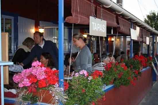 Les Poissons Rouges  - terrasse côté port -