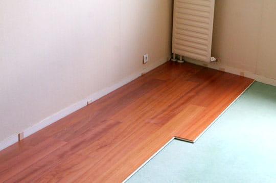 le parquet prend forme. Black Bedroom Furniture Sets. Home Design Ideas