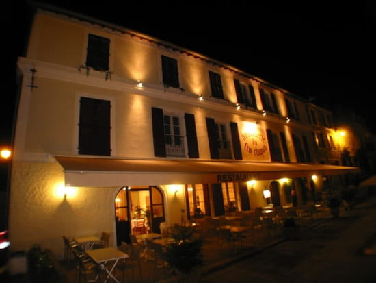 Hostellerie du Fin Chapon  - Terrasse avant -