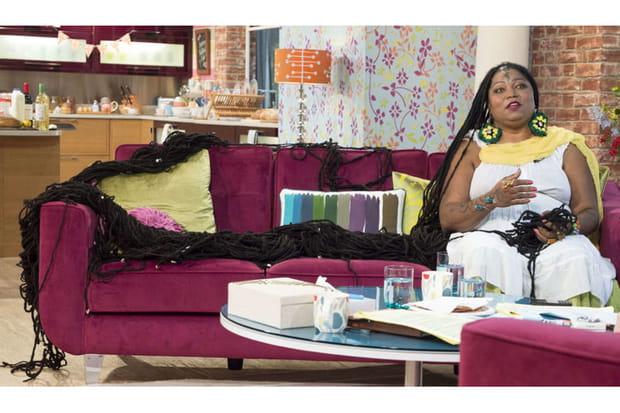 les plus longs cheveux du monde. Black Bedroom Furniture Sets. Home Design Ideas