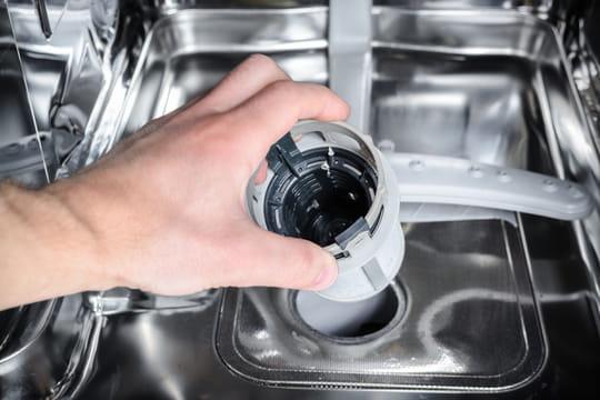 Nettoyer un lave-vaisselle encrassé: produits naturels et conseils