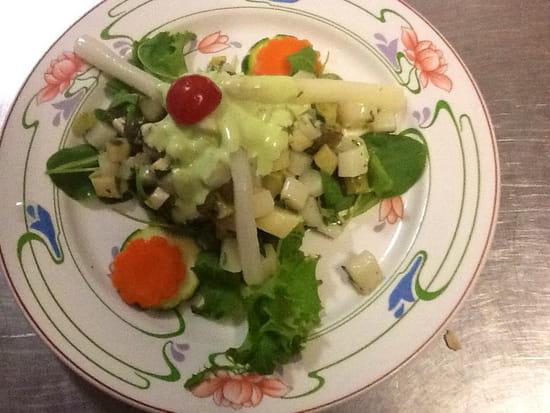 Entrée : Au Lion d'Or  - Salade d'asperges à l'estragon -