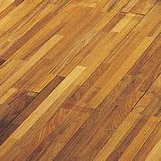 les parquets massifs et contrecollés offrent toute la chaleur du vrai bois.