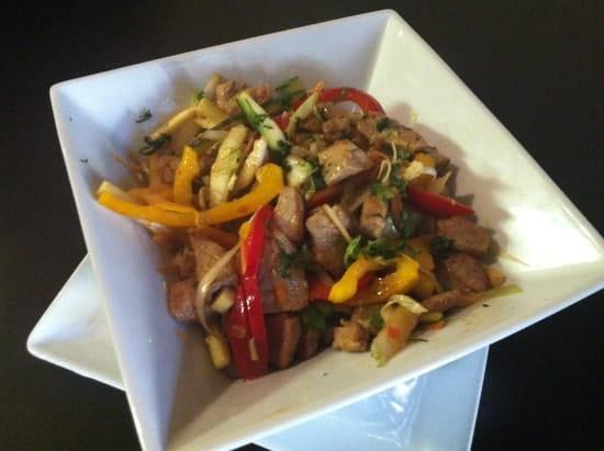 O' Grain de Soleil  - Wok de légumes au boeuf, canard ou poisson ou végétarien  -   © julie clavel