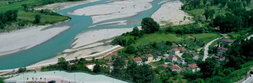 """""""Vjosa mon amour"""": le combat des Albanais pour ce fleuve d'Europe indompté"""