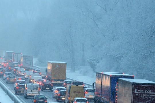 Neige: nuit de galère en Haute-Loire, les prévisions Météo France