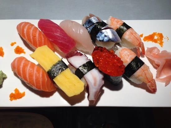 Sushi Kyo Chasseneuil  - assortiment sushi -   © sushi kyo chasseneuil