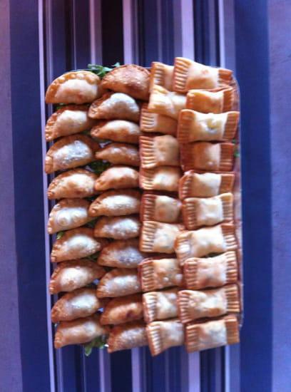 Entrée : La Rocha   © Samboussek fromage et à la viande