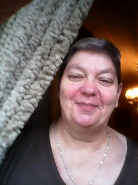 Evelyne Menoury