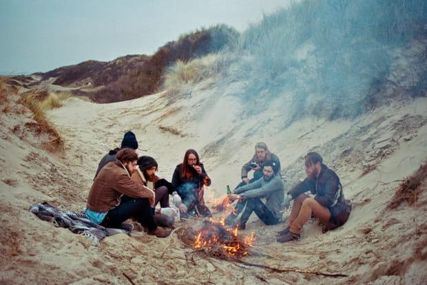 La tribu de Théo dans les dunes