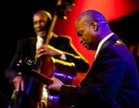 Jazz sous les pommiers 2011 : Ron Carter, «Golden Striker Trio»