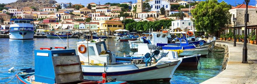 Frontières et Covid: la Grèce veut autoriser l'entrée des touristes vaccinés, ce que l'on sait