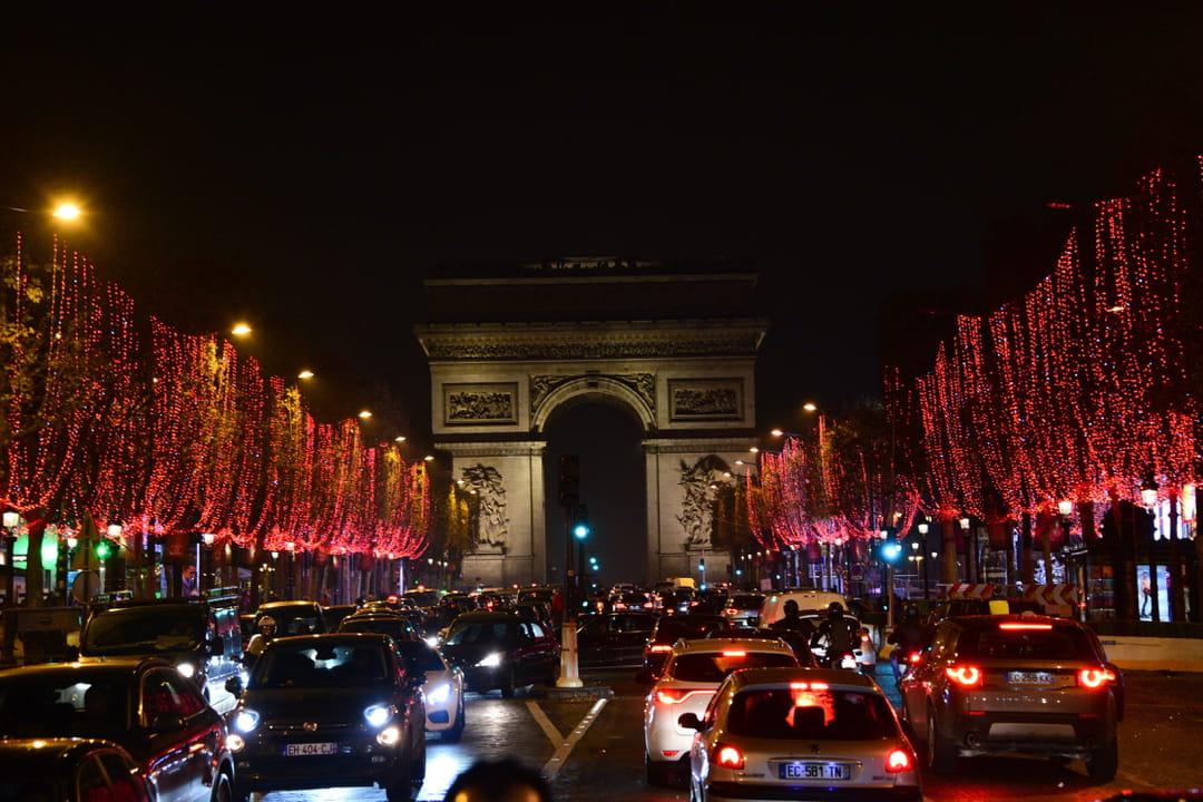 Illuminations de no l les plus belles vitrines anim es paris for Illumination exterieure pour noel