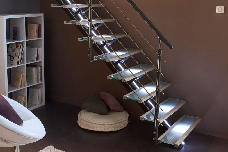 ruban led escalier. Black Bedroom Furniture Sets. Home Design Ideas