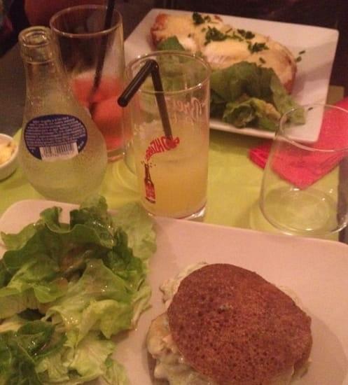 Plat : Ouzhtaol  - Tartine saumon-chèvre et burger blinis saumon- St jacques  -