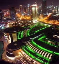 le dubai mall est le plus grand centre commercial du monde.