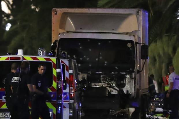 Le camion criblé de balles