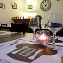 Restaurant : Au Mets-Cliché  - La salle de restaurant la nuit tombé -   © Au Mets-Cliché