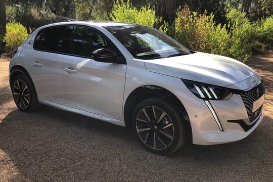Peugeot 208: faut-il craquer pour l'électrique? Notre essai [prix]