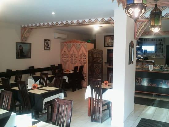 Delices d'Ines  - notre salon de thé décoration orientale et moderne -
