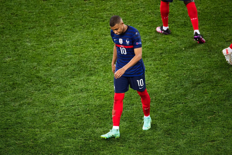 """Kylian Mbappé: """"désolé"""", son message après son tir au but raté [VIDEO]"""