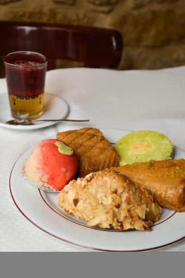 Dessert : Chez Alain  - Restaurant Marocain - oriental - Tunisien - Chez Alain Couscous - République - Paris 3 -   © Chez Alain Couscous