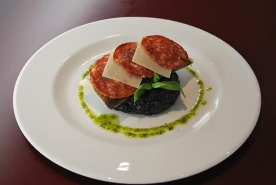 Brasserie restaurant le 9  - Dos de Cabillaud et son risotto à l'encre de seiche -   © Brasserie Restaurant le 9