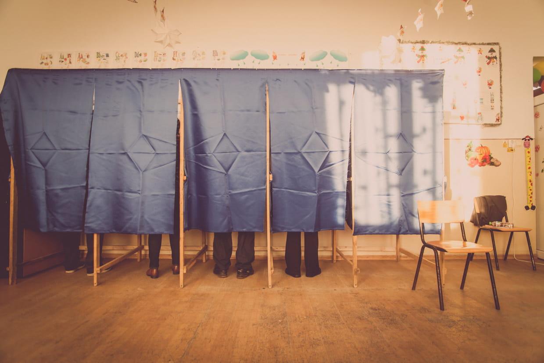 ouverture des bureaux de vote du changement dans les horaires. Black Bedroom Furniture Sets. Home Design Ideas